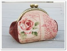 Vintage Rose Frame Purse - Free Sewing Pattern by Craft Couture by TC Coin Purse Pattern, Coin Purse Tutorial, Purse Patterns, Sewing Patterns Free, Free Sewing, Sewing Tutorials, Sewing Projects, Bag Tutorials, Pouch Tutorial