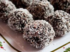 No-Bake Chocolate Kahlua Christmas Balls. wondering how the ginger snaps taste with the Kahlua. Christmas Desserts, Christmas Baking, Just Desserts, Dessert Recipes, Vegan Desserts, Delicious Desserts, Truffle Butter, Almond Butter, Ginger Snap Cookies