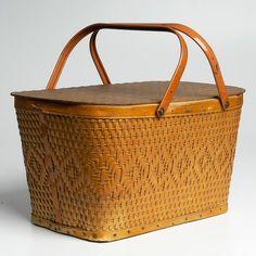 Vintage '50s Woven Picnic Basket