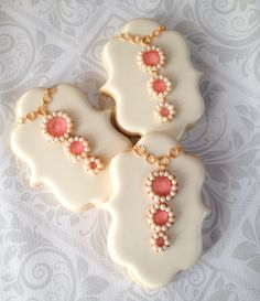 Gelatin gem drop pendant cookies. Thesweetesttiers.com