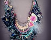 Artículos similares a shabby chic soft braided necklace from antique handmade lace trims, silk 100%, beads crystal. en Etsy