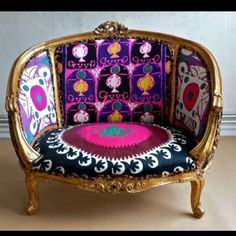 Perfection - bold colors + unique print, loving this sitting chair