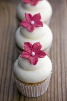 Edler Blüten-Cupcake