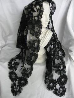 VINTAGE BLACK French Lace Mantilla Chapel Veil 1p Scarf Shawl head covering MINT