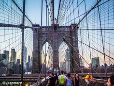 Anochece en el puente de Brooklyn en Nueva York #newyork #nuevayork #usa #brooklynbridge #eeuu #eeuu #manhattan #travelporn #instatraveling #ny #travelphotographer #travelphotos #travelpic #mytravelgram #traveltheworld #travelpics #travelphoto #travel_captures  #igtravel #travelphotography #sunset #instatravel #travell #travelingram #traveler #travelers #travels #traveling #traveller #travel