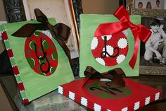 Ornament canvas--- Love the square canvas and adding the ribbon bow