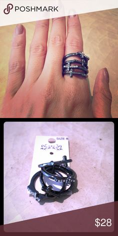 🖤 STREET STYLE 🖤 NWT 4 ring stack 🖤 SIZE 8 Size 8 rings. New with tags. Very trendy and perfect for edgy outfits. Will work great for festivals and your spring/summer wardrobe! Jewelry Rings
