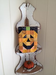 Patchwork quilted Jack-O-Lantern pumpkin mug rug Small Quilts, Mini Quilts, All People Quilt, Green Mugs, Fall Is Here, Mug Rugs, Buttercup, Table Runners, Quilt Blocks