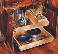 5 tips for hidden kitchen storage Kitchen Items, Kitchen Tools, Kitchen Dining, Kitchen Decor, Open Kitchen, Kitchen Cabinet Storage, Kitchen Racks, Empty Wall Spaces, Hidden Kitchen