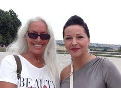 in w/ Claudia Vernaglione Weekender, Vienna, Sunglasses Women, Jackson, Pearl Earrings, Friends, Fun, Fashion, Amigos