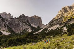 Wanderer am Wilden Kaiser in Tirol Half Dome, Bergen, Trekking, Austria, Mount Everest, Hiking, Adventure, Mountains, Nature