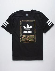 Adidas Camo Classic T-Shirt. Camouflage print Adidas logo graphics screened on front and back. Adidas Camo, Adidas Men, Mens Adidas Outfit, Sneakers Adidas, Camo Shirts, Tee Shirts, Camo Shirt Outfit, Addidas Shirts, Look Adidas