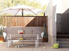 Globus Chair & Deneb Table by Jesús Gasca for Stua. Available from Stylecraft. Table Dexterieur, Teak Dining Table, Dining Table Design, Modern Outdoor Furniture, Modern Patio, Outdoor Spaces, Outdoor Living, Outdoor Decor, Interior Exterior