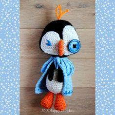 CROCHET PATTERN  The frozen penguin amigurumi. Very geek!