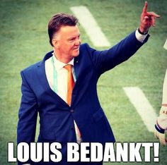 thanks to mister van gaal :) Sir Alex Ferguson, Be The Boss, Man United, Isle Of Man, Fifa World Cup, Manchester United, Mirrored Sunglasses, Suit Jacket, The Unit