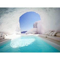 Enjoy the Katikies Hotel Cave Pool in Greece