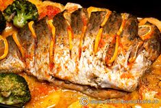 crap-la-cuptor-umplut-cu-legume Fish Recipes, Seafood Recipes, My Recipes, Cake Recipes, Cooking Recipes, Healthy Recipes, Recipies, Serbia Recipe, Jacque Pepin