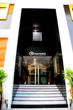 Otel Girişi - The Hotel Entrance