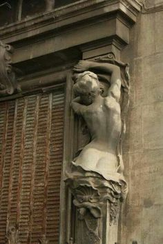 Art Nouveau female nude sculpture by Jean Antoine Injalbert One of several figures adorning the Hotel Chappaz in Béziers, about 400 miles from Paris Art Et Architecture, Architecture Details, Amazing Architecture, Beziers France, Roussillon France, Statues, Art Nouveau, Art Sculpture, Oeuvre D'art