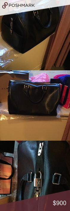 Authentic Classic Epi Leather Speedy Hat Bag! Black Epi Leather Speedy Louis Vuitton Handbag! Beautiful Bag In Great Condition! Bottom Corners Slightly Has worn out leather! Silver Hardware! Original Tag and Dust Bag Louis Vuitton Bags Satchels
