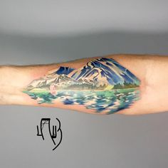 Watercolor tattoo designs are cropping up creating the buzz and trend in the tattoos section. Deviating from the traditional tattoos. Trendy Tattoos, Love Tattoos, Beautiful Tattoos, Body Art Tattoos, New Tattoos, Tatoos, Alaska Tattoo, Scenic Tattoo, Tattoo Designs