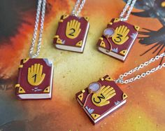 Gravity falls - Gravedad cae diario dibujos animados libro collar 1 2 3 The Effective Pictures We Offer You About d - Gravity Falls Cosplay, Gravity Falls Funny, Gravity Falls Dipper, Libro Gravity Falls, Gravity Falls Journal, Bff Necklaces, Friendship Necklaces, Book Necklace, Cute Polymer Clay