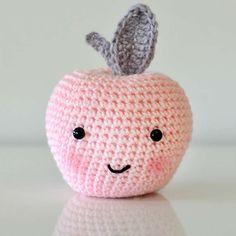 Delicious Looking Apple Amigurumi - Free Pattern