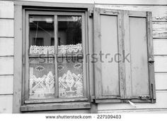 1900s Window Curtain | Window with white lace curtain decorated with windmill and tree ...