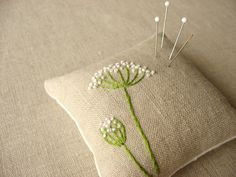 Queen Ann's Lace Pincushion, but I wanna make a pillow... :)