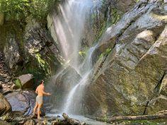 Der Wasserfall ganz in der Nähe des Hotels sollte sich keiner entgehen lassen, der einen FRISCHEKICK braucht. Spa, Hotels, Water, Outdoor, Waterfall, Vacations, Gripe Water, Outdoors, The Great Outdoors
