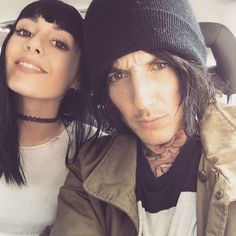 "Hannah and Oliver Sykes ""When ya boy got matching hair. Welcome to the dark side syko. #gothfam❤️❤️❤️❤️"""