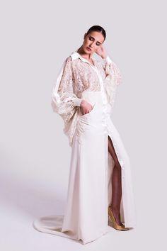 vestido-novia-estilo-camisero-isabel-zapardiez 70s Glam, Handfasting, Bridal, Duster Coat, Wedding Dresses, Celebrities, Editorial, Fashion, Collared Dress