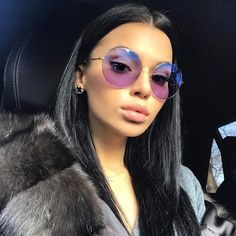Versace Women's Medusa Aviator Sunglasses, White/Grey – Fine Jewelry & Collectibles Ray Ban Sunglasses, Mirrored Sunglasses, Sunglasses Women, Sunglasses Outlet, Clubmaster Sunglasses, Fur Fashion, Look Fashion, Fashion Trends, Fashion Pics