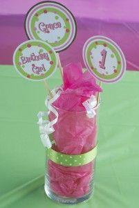 Babys first birthday....such a cute idea!