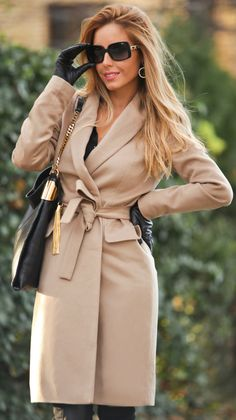 Wardrobe essential: camel coloured coat