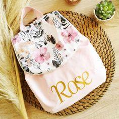 """Jane Emilie Richard on Instagram: """"Découvrez le magnifique univers de @iletait__unefois qui réalisera le sac à dos personnalisable rêvé de votre bout'chou 😍😍😍 • • Modèle sous…"""" Reusable Tote Bags, Instagram, Personalized Backpack, Cabbages, Universe"""