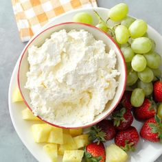 Dreamy Fruit Dip - cream cheese, butter, marshmallow creme, whipped topping, and Assorted fresh fruit Dip Recipes, Fruit Recipes, Cooking Recipes, Fruit Dips, Fruit Fruit, Fruit Platters, Fruit Cakes, Fruit Salad, Appetizer Dips
