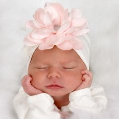 Are you looking for Unique Baby Gift, Newborn Girl Hat, Baby Hospital Hat, Baby Shower Gift, Baby Girl Cap? We have sorted out the trending and fashionable baby clothes. Check our top picks now. Cap Baby, Baby Girl Caps, Wrap Newborn, Foto Newborn, Baby Newborn, Bringing Baby Home, Photo Bb, Baby Kicking, Foto Baby