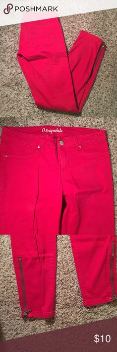 """Red Aeropostale skinny jeans with zippers Great condition. Vibrant colors. """"Lola Jegging"""" Aeropostale Pants Skinny"""