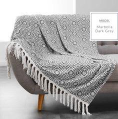 Dekoratívne deky v tmavo sivej farbe s potlačou Indigo, Plaid, Blanket, Home, Dimensional Shapes, Linens, Pattern, 25 Years Old, Fringe Coats