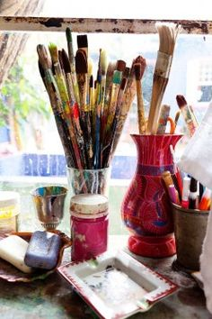 Artist Studio and Tools, Isabelle Tuchband, Artist, Todd Selby, Photographer workspace 5 Unforgettable Artist Ateliers Dream Studio, My Art Studio, Small Studio, Artist Life, Artist At Work, Artist Art, Atelier D Art, Artist Aesthetic, Paint Brushes