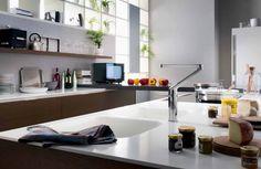 La cucina si utilizza tutti i giorni e di conseguenza è importante che i rubinetti siano confortevoli e facili da usare.  Perciò quali scegliere? http://www.arredamento.it/rubinetteria-cucina.asp  #rubinetti #cucina Nobili Design