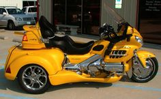 Black and yellow - great combination.