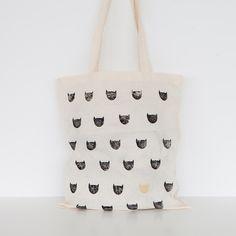 Bolsas de tela - Bolsa gatos - hecho a mano por Treintaydoscuarentaydos en DaWanda #DaWanda #hechoamano #diseño #handmade #DIY #animales #pets #mascotas #gato #perro #pájaros #cat #dog