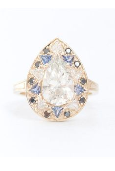 Halo Engagement Rings | Brides