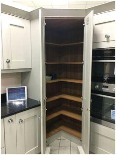 Corner Pantry Organization, Corner Pantry Cabinet, Corner Kitchen Pantry, Kitchen Pantry Cabinets, Ikea Kitchen, Kitchen Shelves, Kitchen Storage, Pantry Ideas, Kitchen Ideas