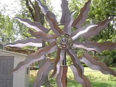 Light up the evenings with yard art wind spinner and add a touch of ambience to patio, lawn or garden. -Modern Functionality with Antique Charm.