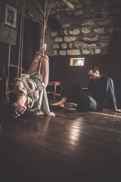 Photo : Sweetopaline Photographie Rigger : Kinbaku LuXuria Model : Fanny Mynd, French Model