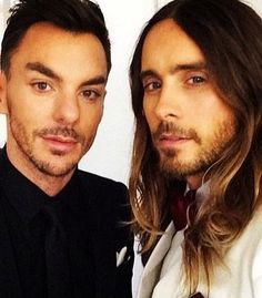 """Mi piace"": 19, commenti: 2 - Debbie (@debbie1151) su Instagram: ""Leto brothers at the Oscars? Smoldering look from Jared #jaredleto #shannonleto"""