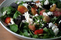 Salade van winterpostelein, bietjes en geitenkaas